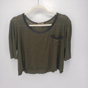 Cha Cha Vente | Cropped Pocket Top | Green/Black
